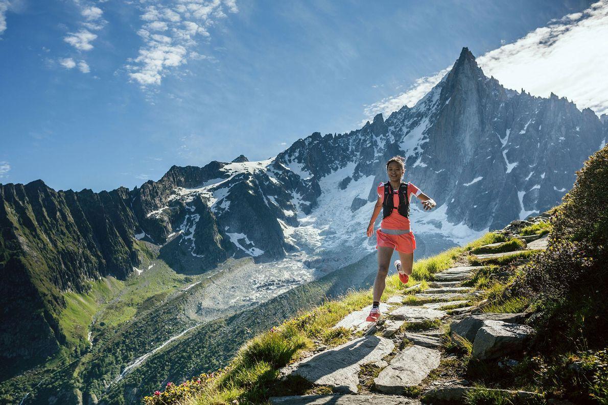Imagen de la corredora Mira Rai en un entrenamiento en Chamonix, Francia