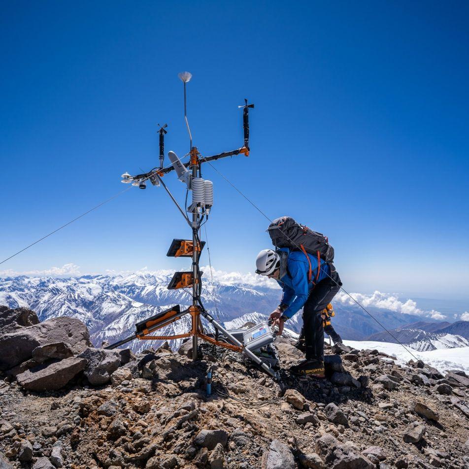 La estación meteorológica más alta de los Andes ayudará a los científicos a encontrar respuestas climáticas