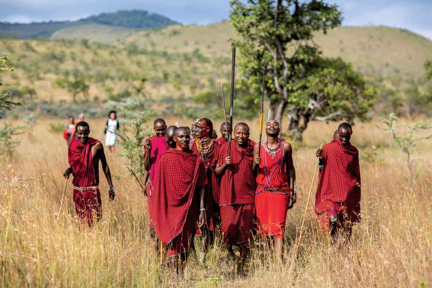 El alojamiento ecológico Campi ya Kanzi, en las colinas de Chyulu del sur de Kenia, forma ...