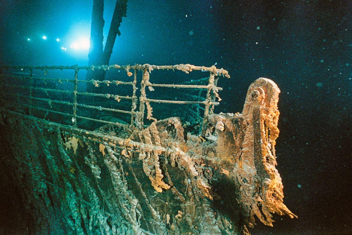 El Doctor Robert Ballard descubrió el RMS Titanic en 1985 con la ayuda de tecnologías de …