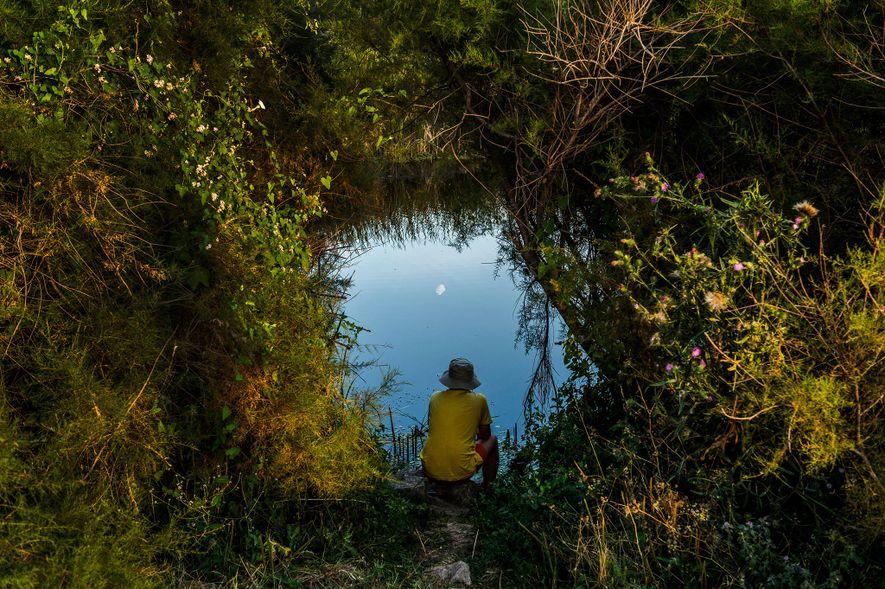 Siguiendo los pasos de la célebre fotógrafa Inge Morath, ocho fotógrafas se disponen a mostrar la ...