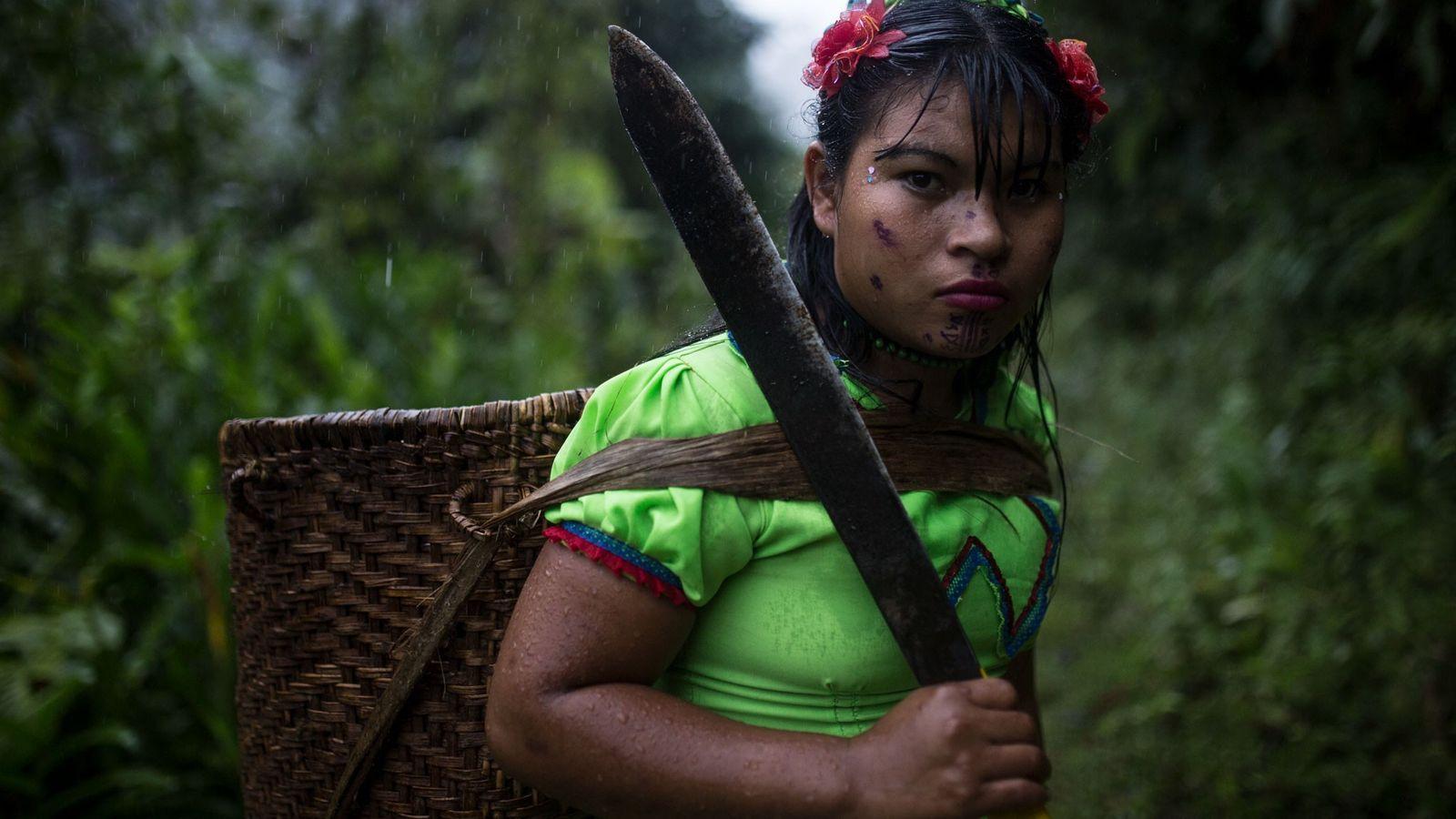 Una mujer emberá katío