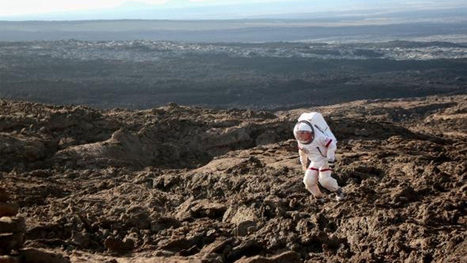 Astronauta en Manua Loa