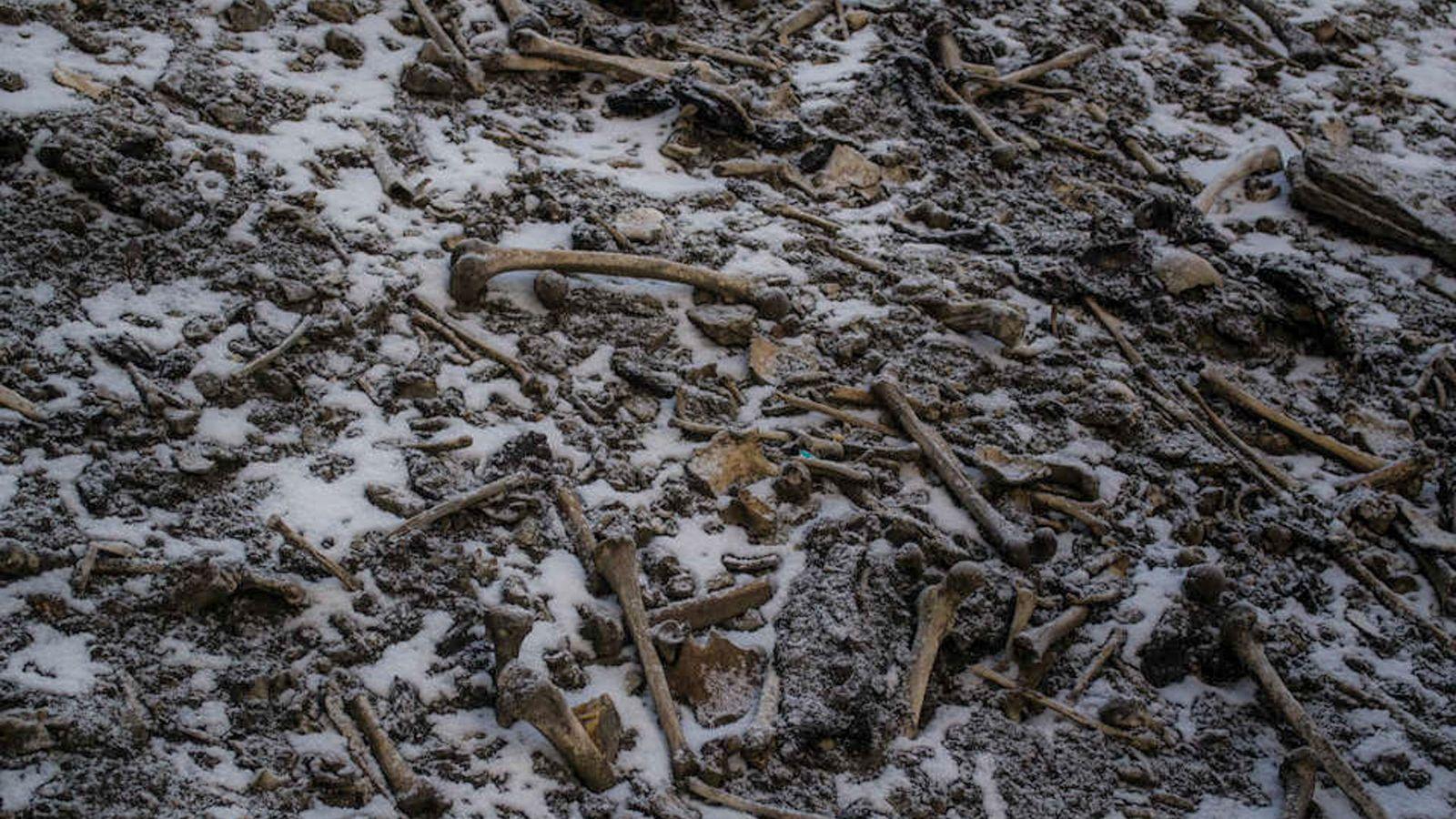 Huesos del lago Roopkund
