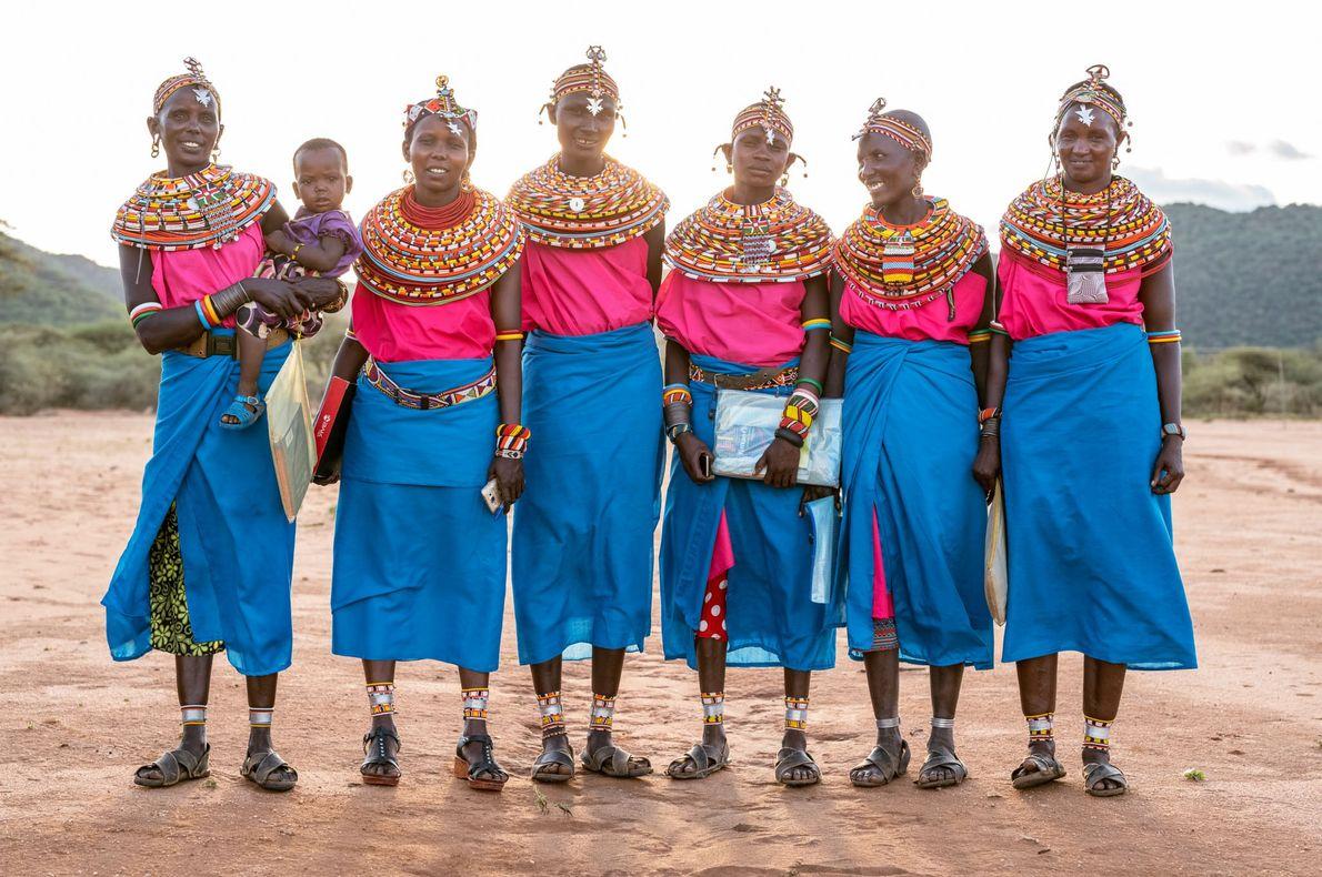 Las mujeres samburu que van a la escuela