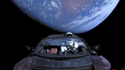 El Tesla espacial de Elon Musk podría estrellarse contra la Tierra en el futuro lejano
