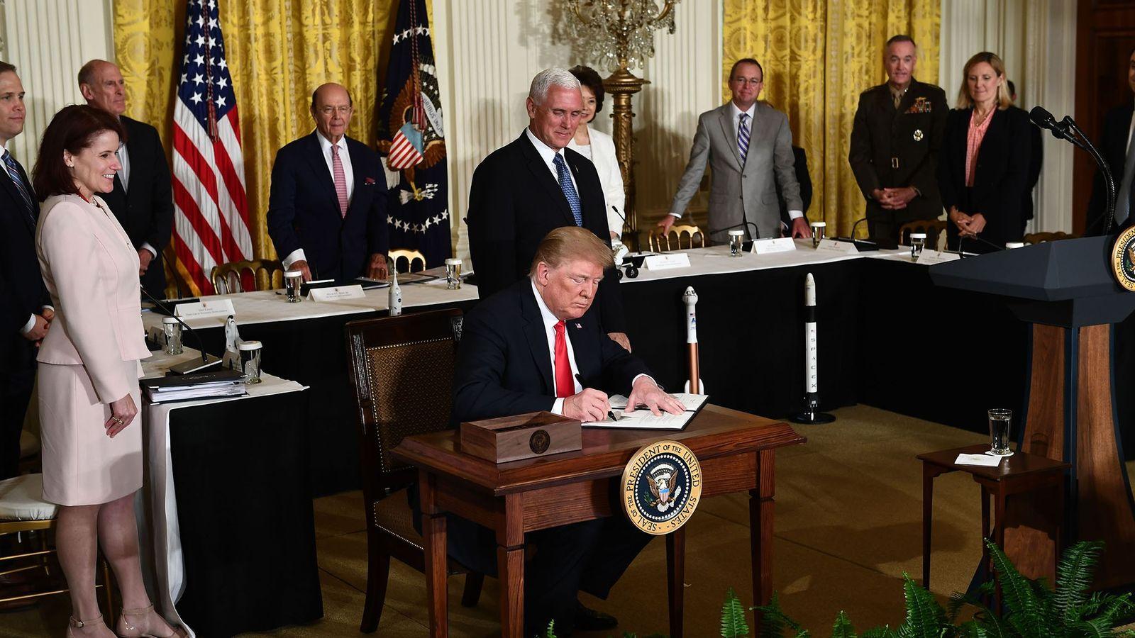 Donald Trump en el Consejo Nacional del Espacio
