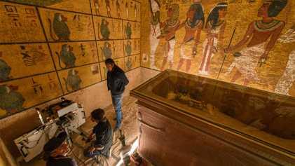 En busca de cámaras ocultas en la tumba de Tutankamón