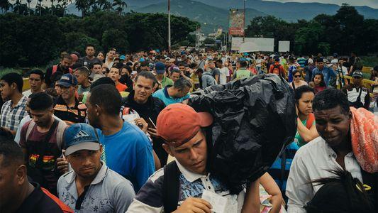 Para los refugiados venezolanos, este puente conecta el pasado y el presente