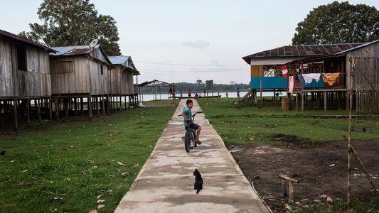 Esta comunidad amazónica trata de distanciarse del turismo ilegal con animales salvajes