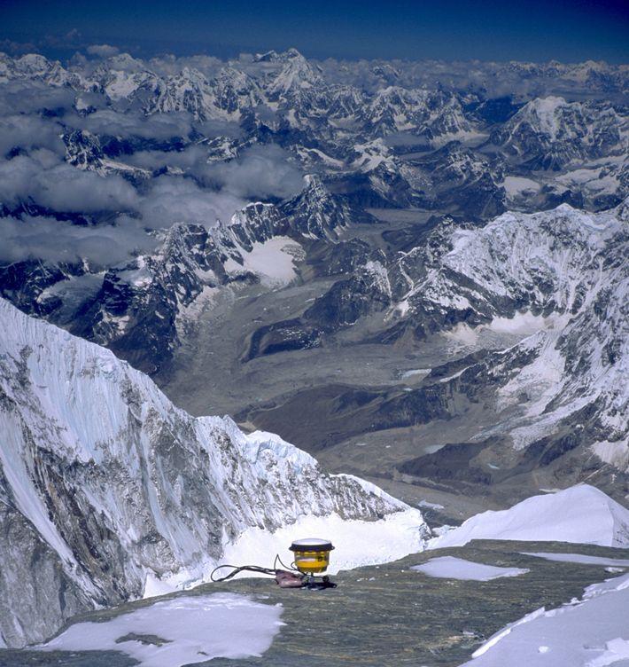 Receptor GPS en la cima del Everest