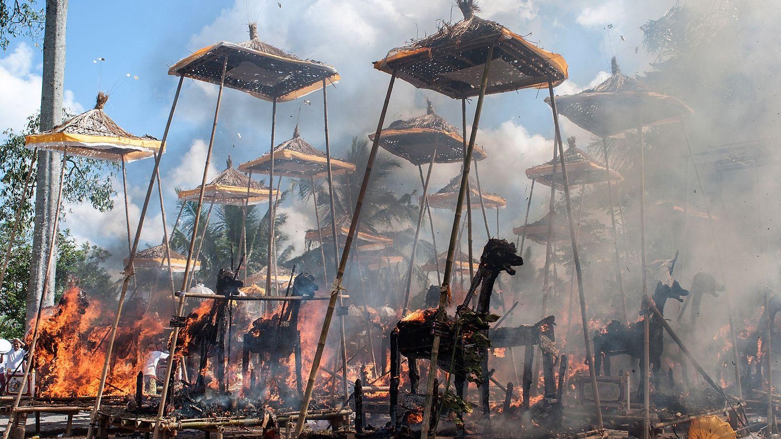 Incineración hindú