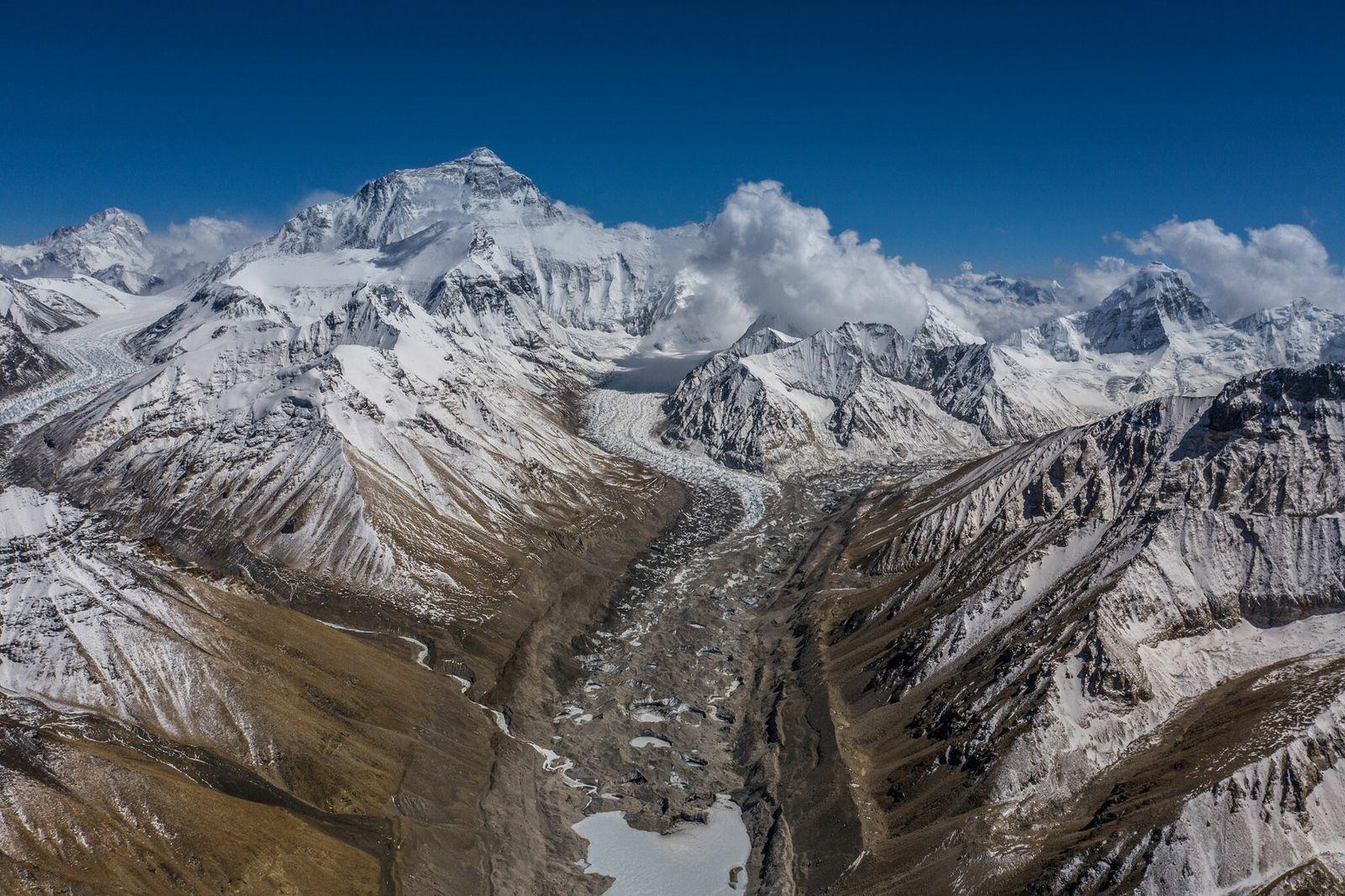 La vista desde el campamento base norte del Everest
