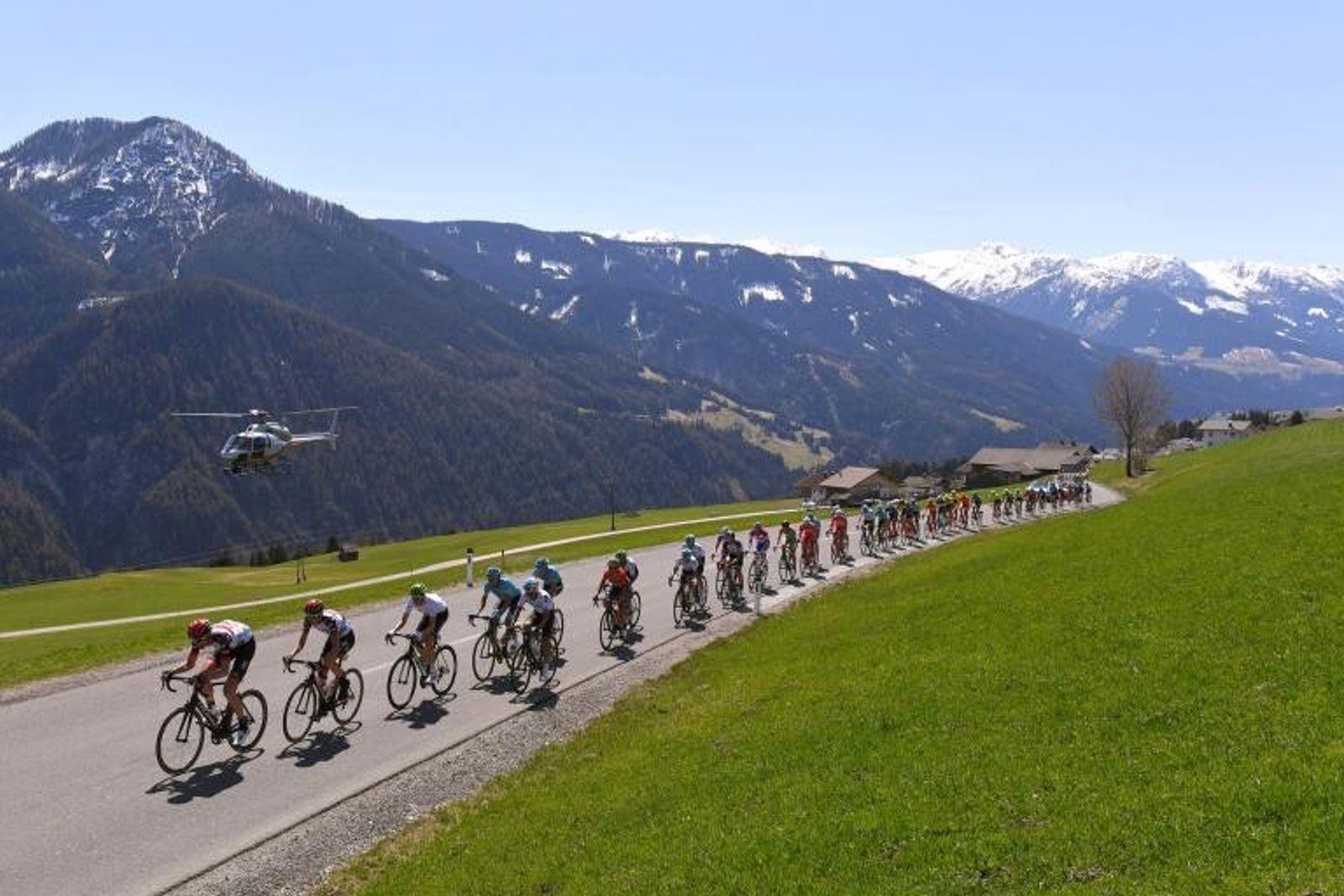 Tour de los Alpes