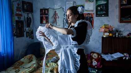 Estas fotografías muestran la vida de los adolescentes ucranianos en zonas en guerra