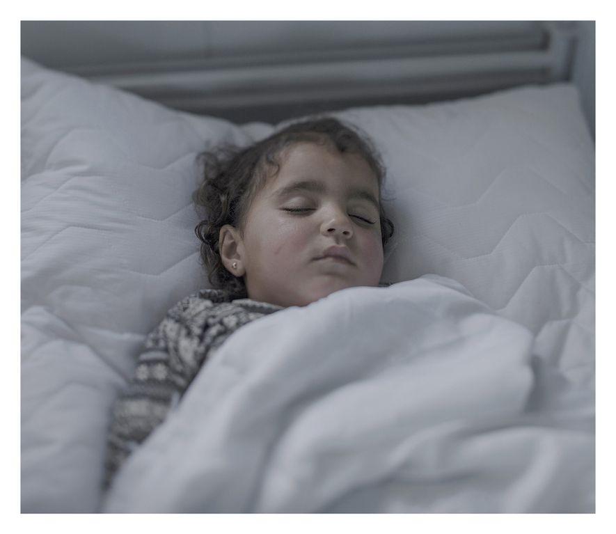 Este es el tercer día de Iman en una cama de hospital.El normalmente feliz e inquieto ...