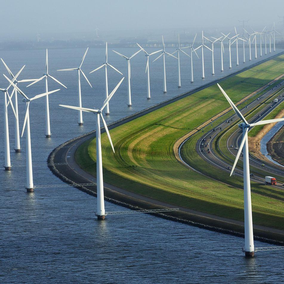 Las renovables generan por primera vez más electricidad que los combustibles fósiles en Reino Unido