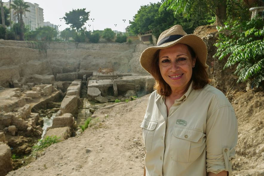 La arqueóloga Calliope Limneos-Papakosta lleva más de 20 años excavando durante más de 20 años con ...