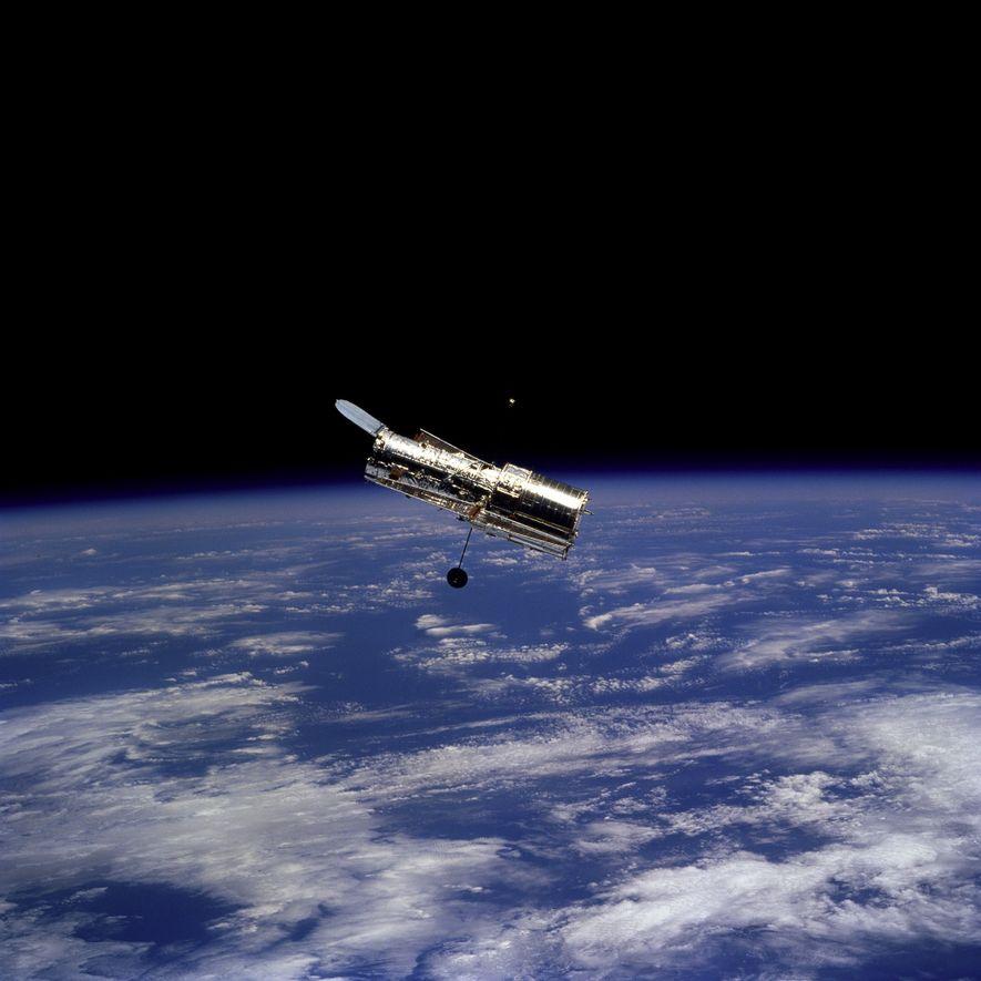 En febrero de 1997, los astronautas a bordo del transbordador espacial Discovery sacaron esta foto del ...