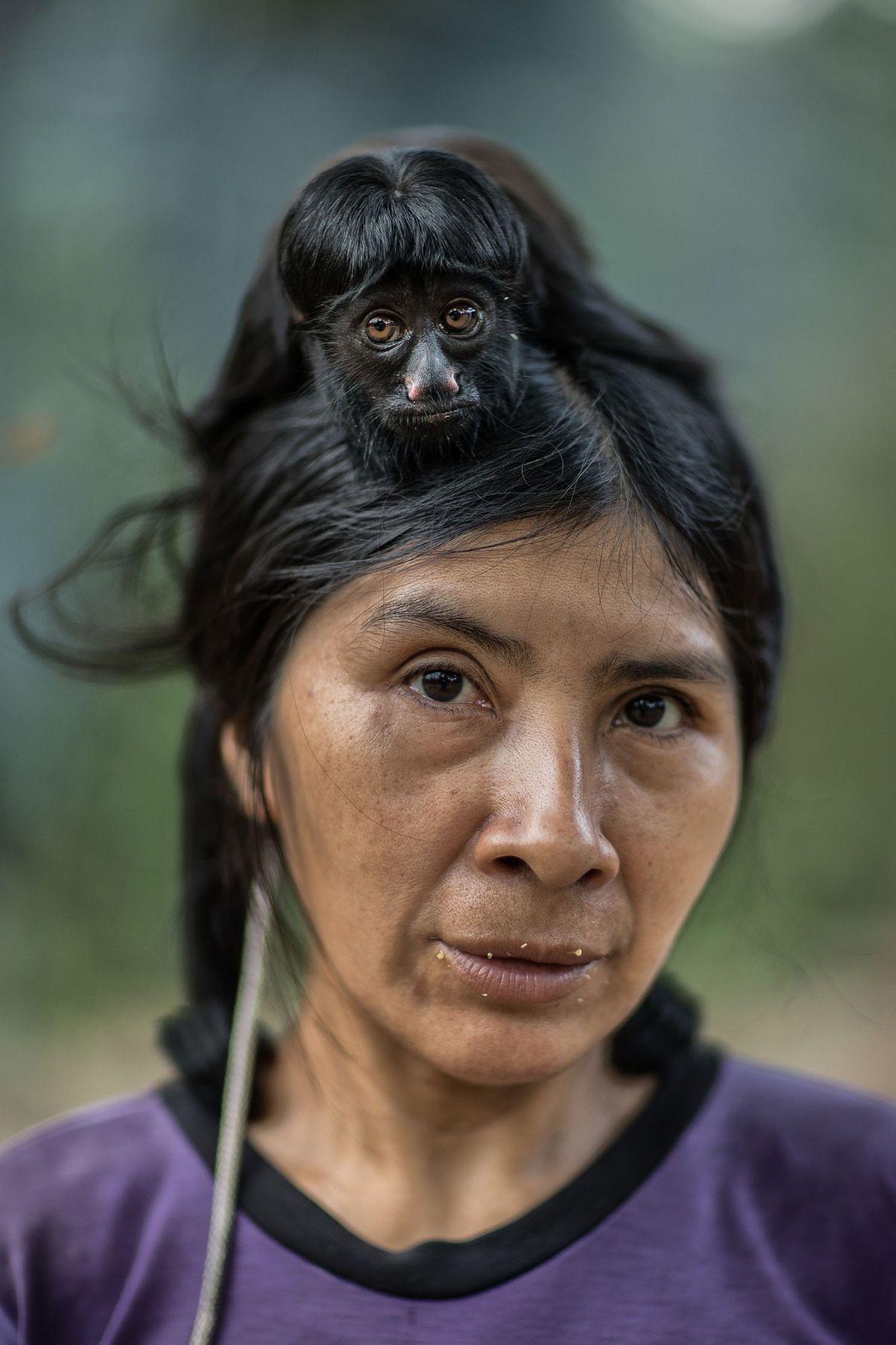 Ayhuan lleva un sakí barbudo negro