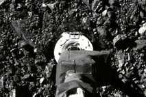 OSIRIS-REx toca Bennu