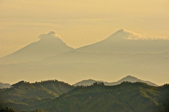 El monte Mikeno y el monte Karisimbi