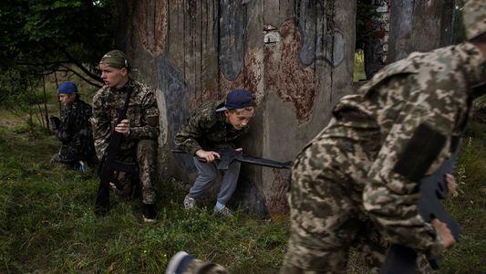 Los niños ucranianos entrenados para el combate