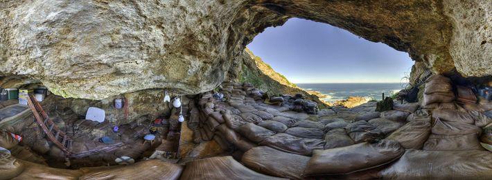 Cueva de Bombos
