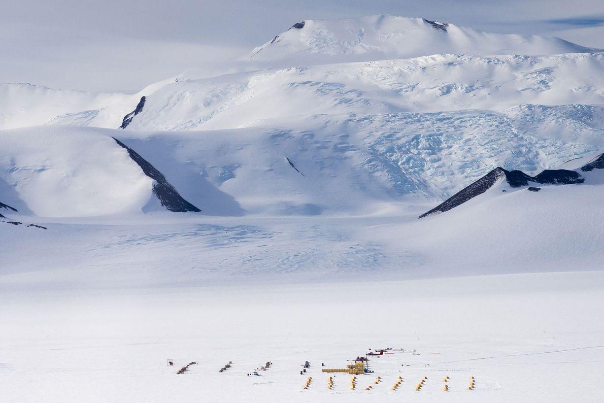 Vista aérea del campamento del glaciar Shackleton