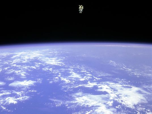 El astronauta Bruce McCandless
