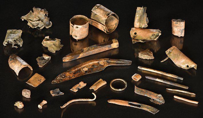 Conjunto de objetos de bronce