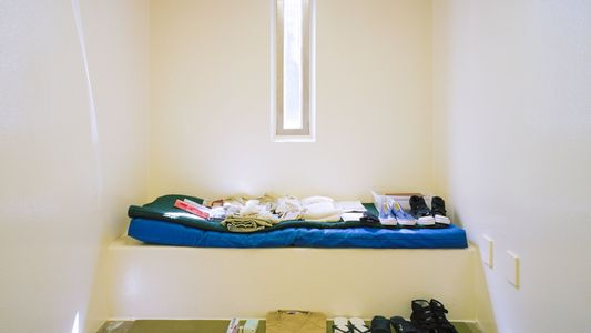 Fotografías de la vida en Guantánamo, por Debi Cornwall