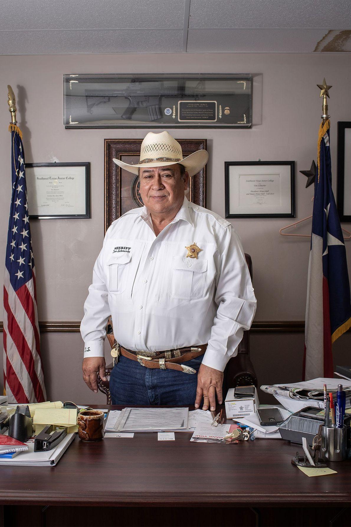 El sheriff Tom Schmerber