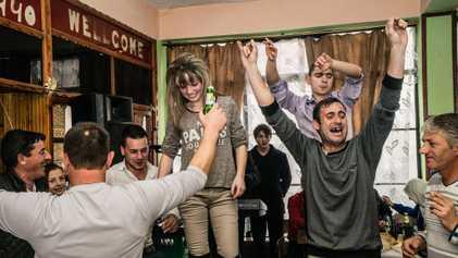 Estas fotografías te trasladarán a una ceremonia musulmana en Europa