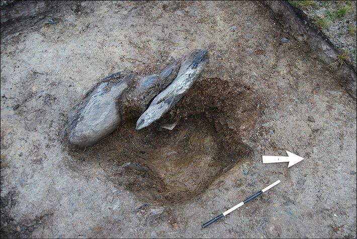 Un zócalo de piedra excavado en Waun Mawn