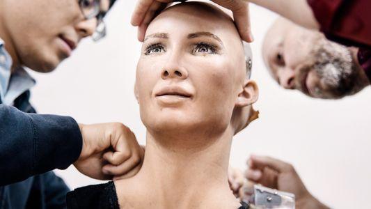 Imágenes del robot Sophia