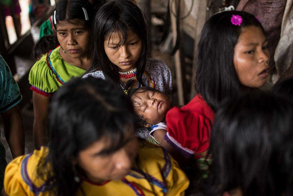 Madres adolescentes con sus hijos