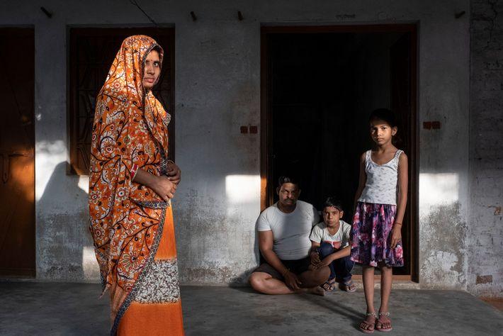 Una familia en Basanta Khera