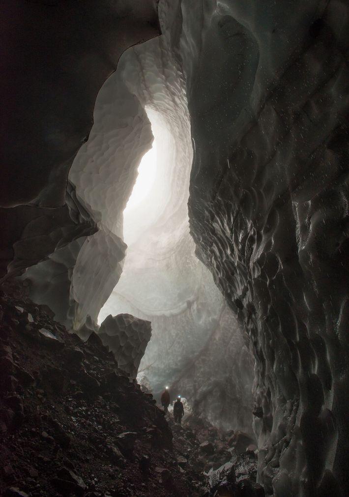 Cueva Godzilla