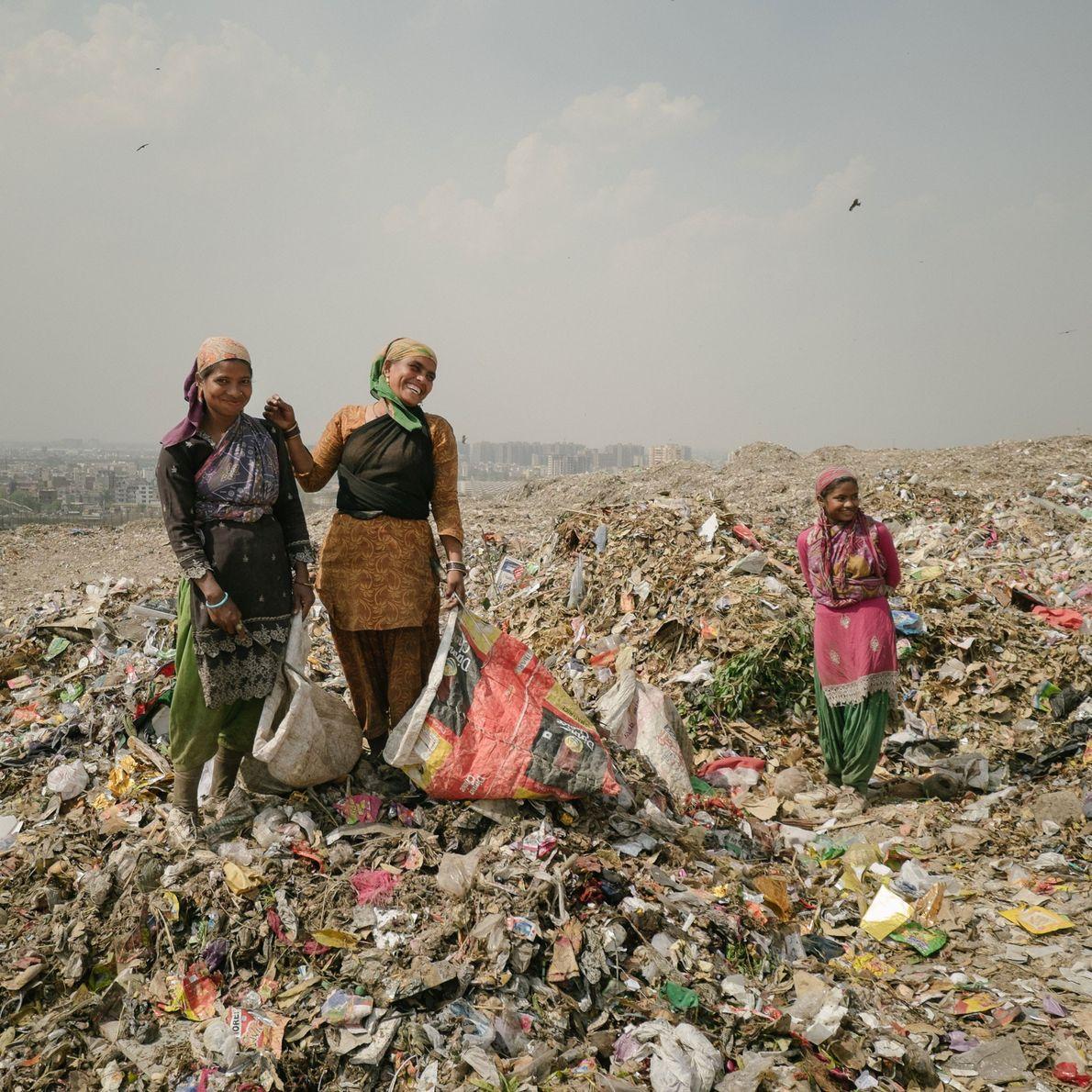 Imagen del vertedero al aire libre de Ghazipur, en Delhi