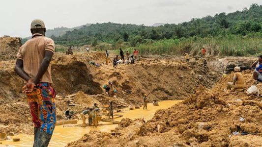 La minería de oro ilegal en Ghana amenaza a los productores de cacao