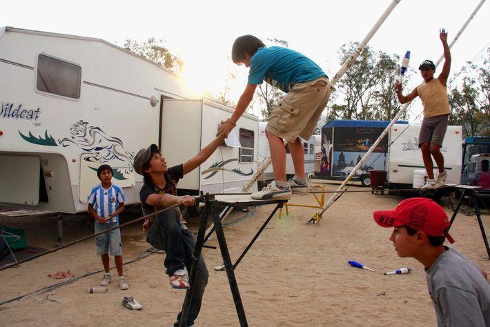 Equilibristas del Circo Vázquez