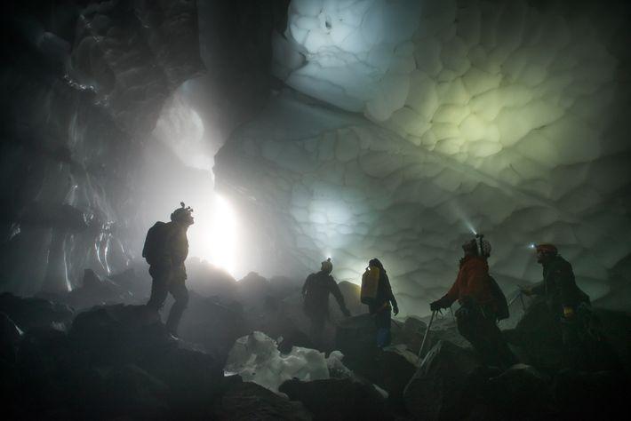 Cueva Crevasse