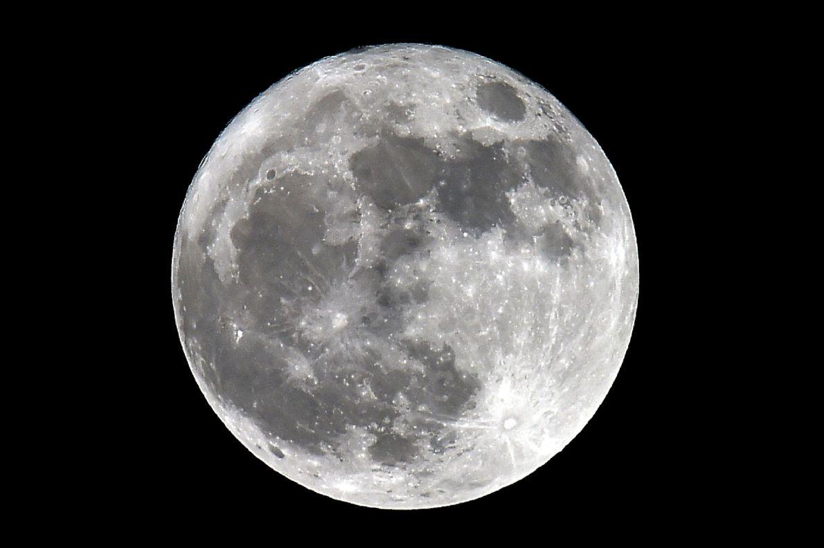 La superluna desde Trebons-sur-la-Grasse