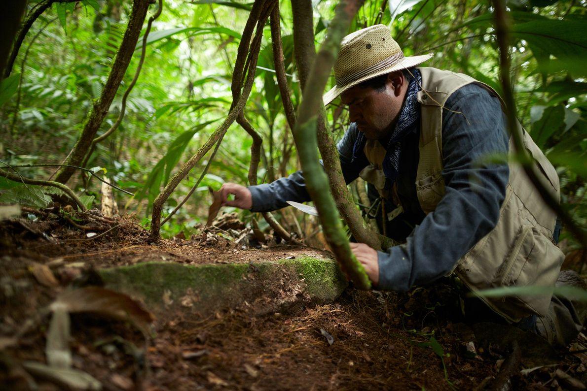 Imagen del arqueólogo Oscar Neil Cruz