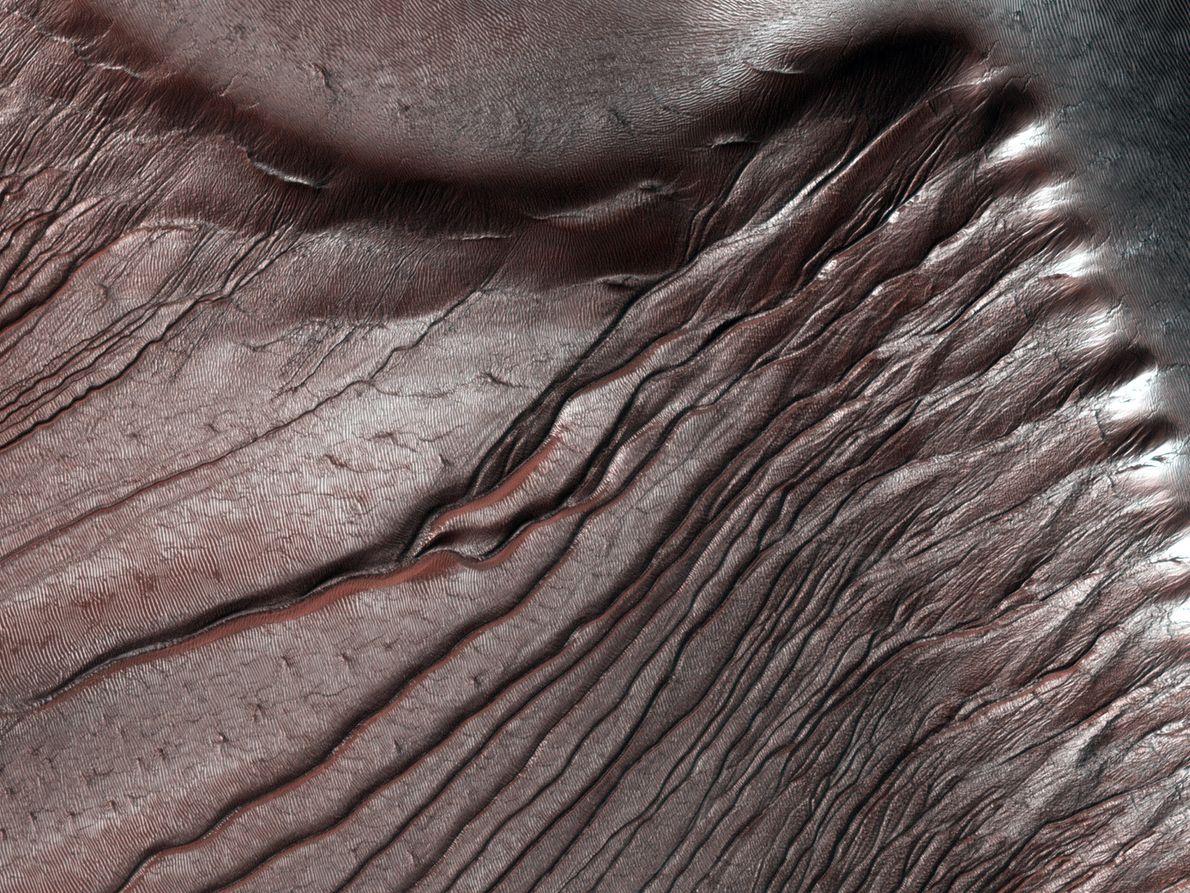 Cráter Russell