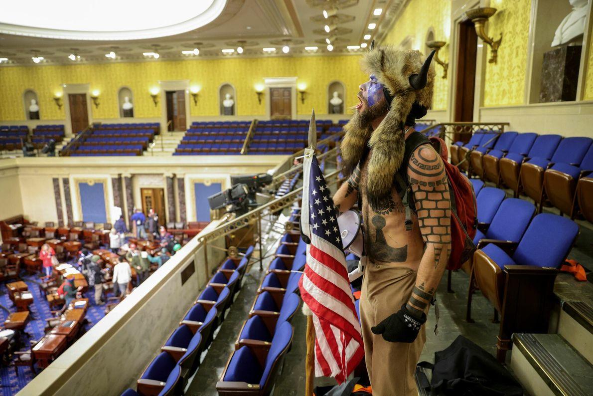 Un seguidor de Trump en la Cámara del Senado