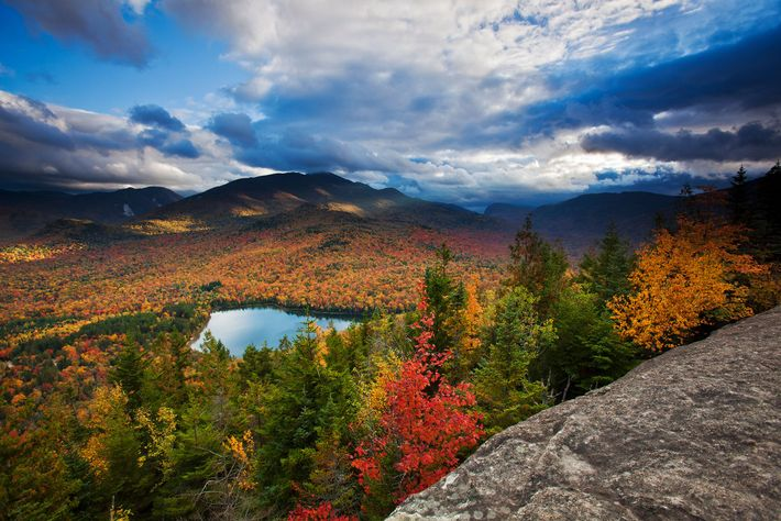 Lago Heart y picos Algonquin y Wright