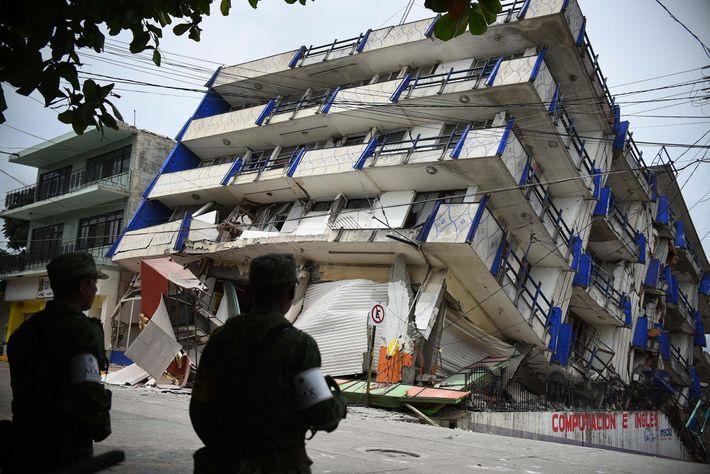 El hotel «Ane Centro» resultó dañado por el terremoto de magnitud 8.2 en Matías Romero, Oaxaca.
