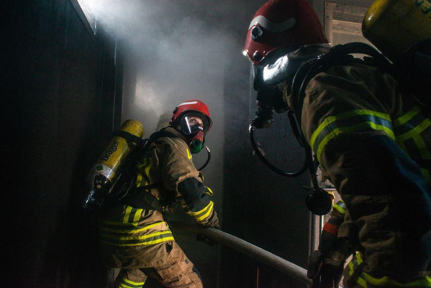 «Un incendio a bordo es lo peor que puede pasar», afirma el capitán Stefan Schwarze. Es ...